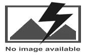 Barbecue artigianale con ruote in acciaio inox